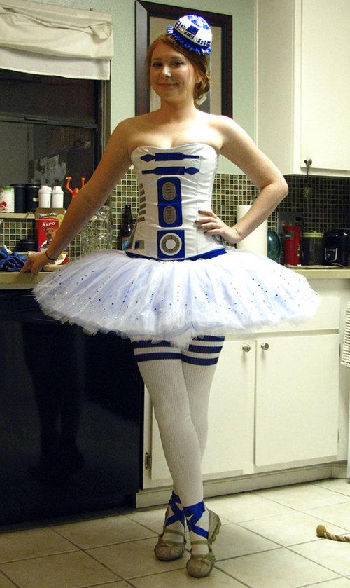 Star Wars R2-D2 Ballerina Cosplay