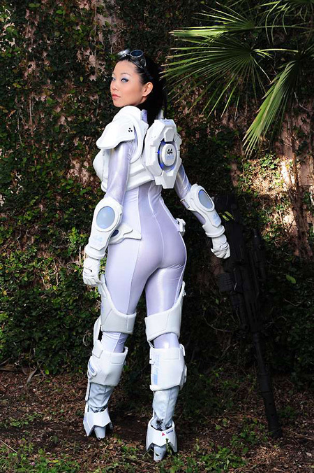 Starcraft Ghost Cosplay back