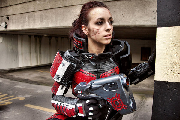 Female Mass Effect Commander Shepard Cosplay