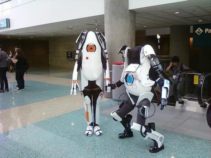 Portal P-Body and Atlas Cosplay
