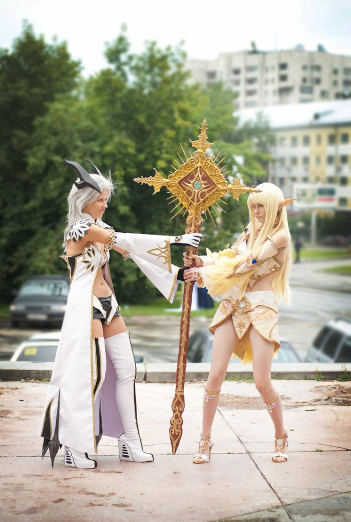 Castanic from Tera and an Elf from Lineage II Taken by Knutov