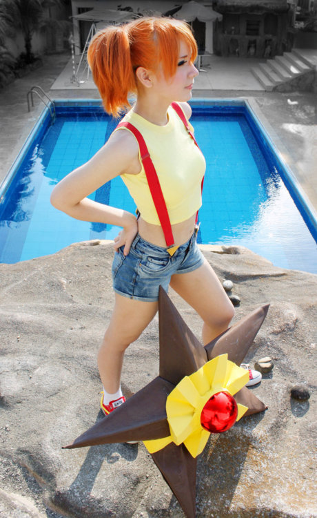 Pokemon Misty Cosplay with Staryu