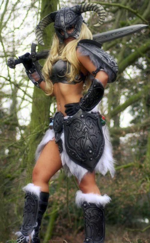 Sexy Skyrim Dragonborn Cosplay