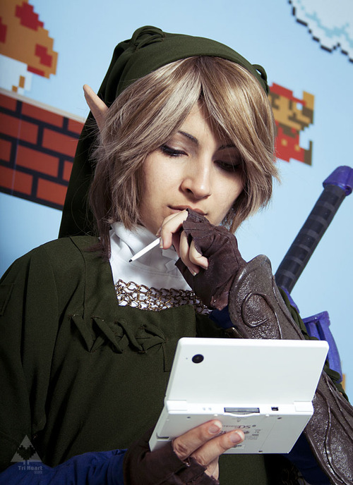 Female Legend of Zelda Link Cosplay