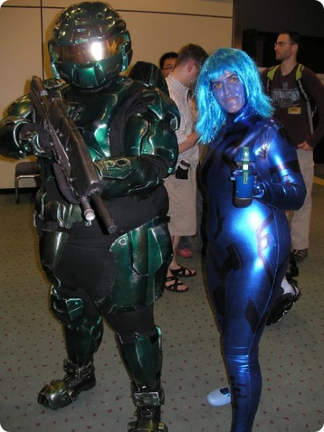 Master Chief and Cortana Halo Cosplay