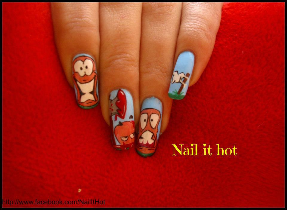 Worms Nail Art