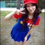 Cute Female Mario Cosplay [pic]