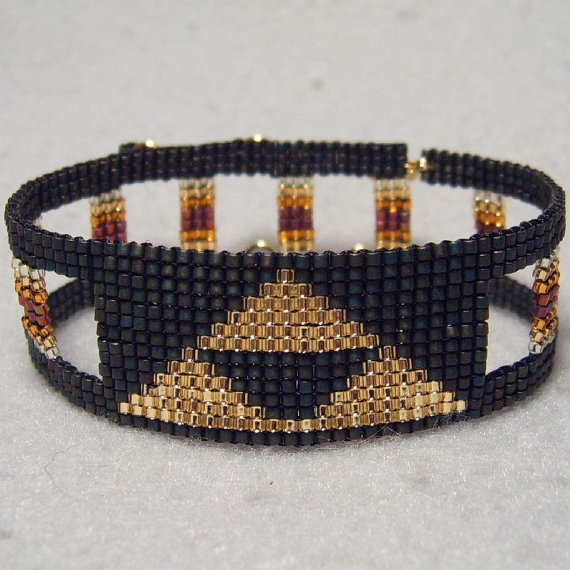 Legend of Zelda Triforce Bracelet