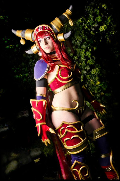 Alexstrasza World of Warcraft Cosplay